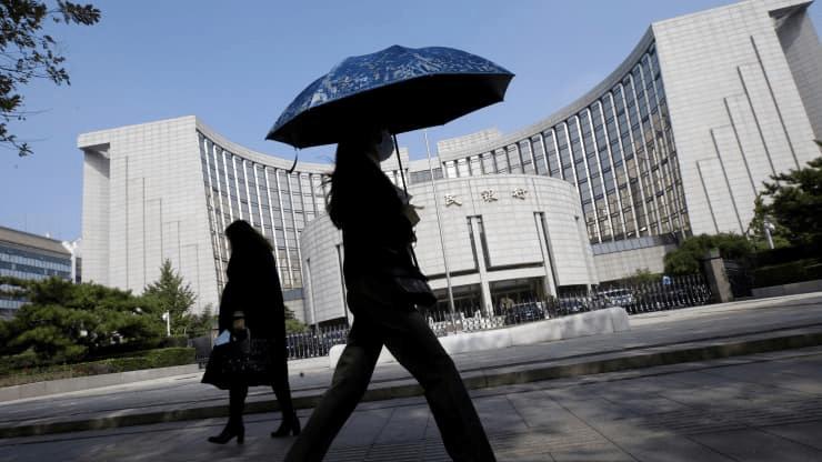中国央行警告金融风险,包括潜在的违约风险
